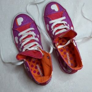 Converse Vday limited edition girls big kid size 4